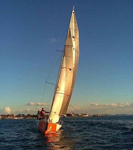 İstanbul Yelken Kulübü'nde 1 Kişi Yelkenli Yatçılıkla Tanışma Dersi. ürün görseli