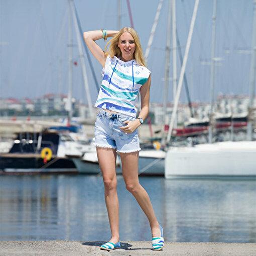 Anemoss Dalga Kolsuz Kapişonlu Beyaz Kadın Sweatshirt. ürün görseli