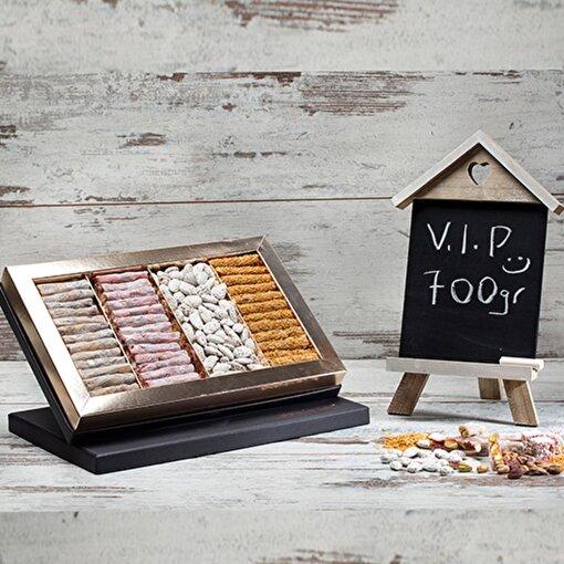 Bakırkazan 700/4 VIP Behlül Fıstıklı - Kadayıf Fıstıklı - Narlı Fıstıklı Lokum - Lebbess Badem Şekeri. ürün görseli