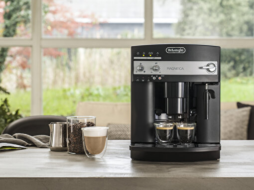 Delonghi Esam3000.B Magnıfıca Otomatik Kahve Makinesi. ürün görseli