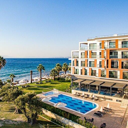 Kuşadası Maia Luxury Beach & Spa Hotel 1 Gece 2 Kişi Yarım Pansiyon Konaklama. ürün görseli