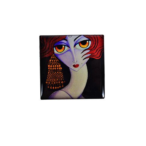 Monatitti Hüzünlü Kadın Magnet. ürün görseli